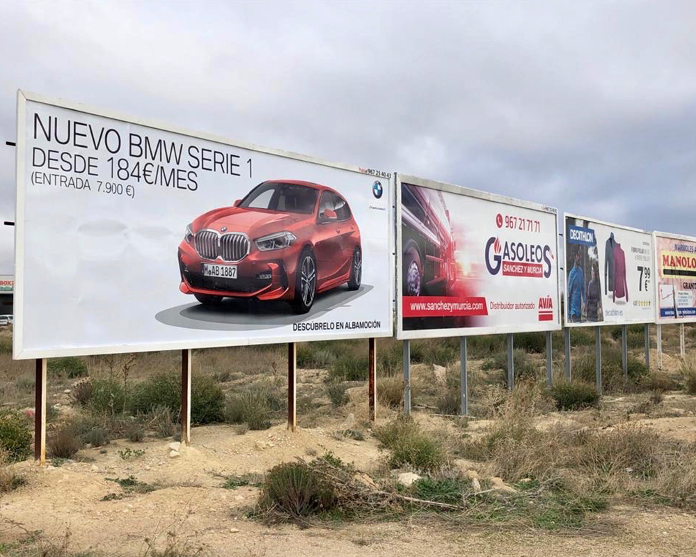 Vallas publicitarias 3 x 8 metros