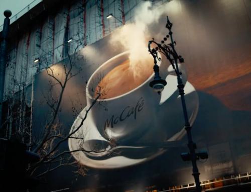 La lona humeante de McDonald's que promociona su café